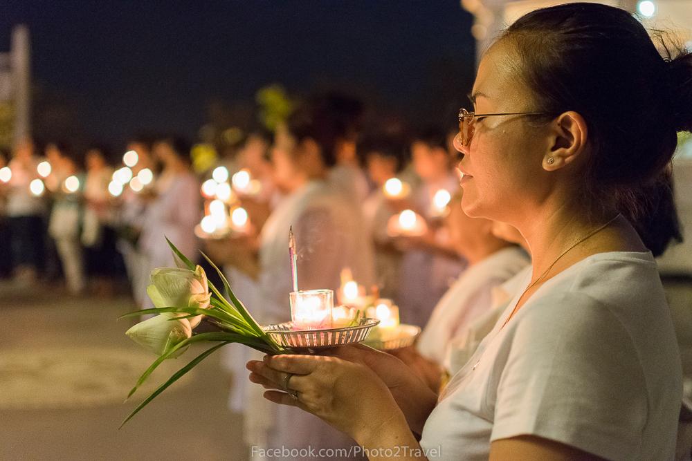 ชื่อภาพ : สงบ แนวคิด : ภาพนี้สื่อถึงความสงบของพุทธศาสนิกชนที่มาร่วมทำบุญในวัดทุ่งเศรษฐี เนื่องในวันวิสาขบูชา